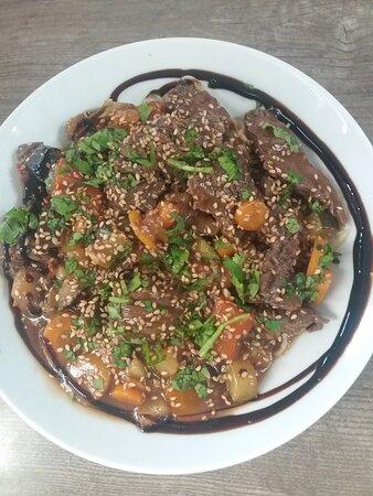 Pâtes Thaï aux légumes et boeuf Black Angus