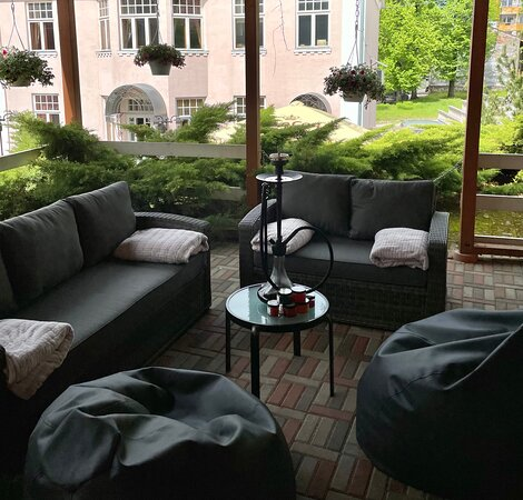 Cozy and private place for hookah and cocktails