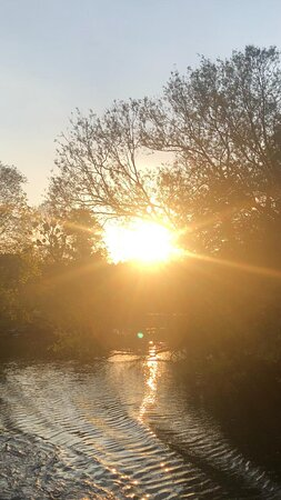 Sunsets over the river at Bourne End