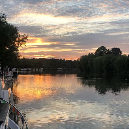 Sunsets from the river over Cookham riverside