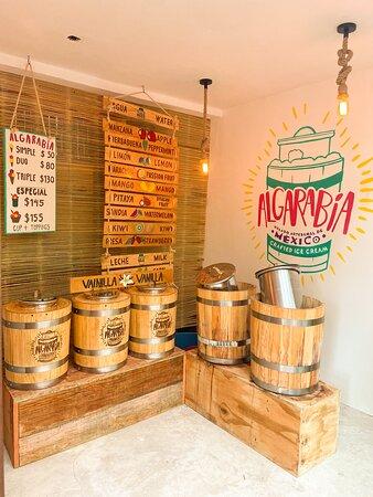 Artisanian ice cream by Algarabía