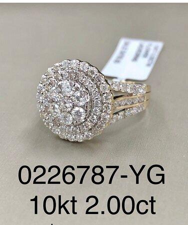 USA Jungfruöarna: 10kt yellow gold with 2 carats in diamonds