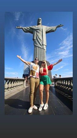 Descontos para Moradores de Rio e para Idosos   Traslados Ida e Volta Guia de Turismo Ticket ao Cristo Incluso Paradas para fotos Van com ar acondicionado    CONHEÇA  MAIS DA NOSSA AGÊNCIA: 👉👉👉👉 https://linktr.ee/Toursrj   🇧🇷Tours RJ - Operador Turistico Rio de Janeiro  #riodejaneiro #brasil #Turismo #ferias #vacaciones #passeio #felicidade #city #riodejaneirotrip #tourist #tourscity #christtheredeemer #ChristTheKing #cristoredentor #corcovado #tourrj #passeiosrj #citytour #ferias2021 #vac