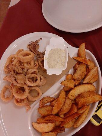 Frittura calamari e patate
