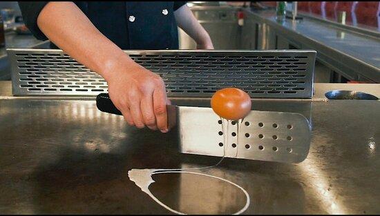 Amazing Teppanyaki egg show