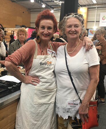 Our passionate foodie guide Kathrin Chappell with the effervescent Peta Mathias at the Tauranga Food Show in May 2021