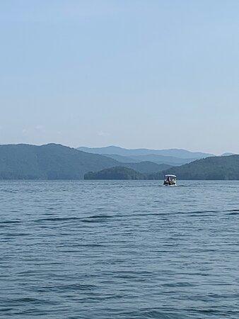 Setting off on Lake Jocassee