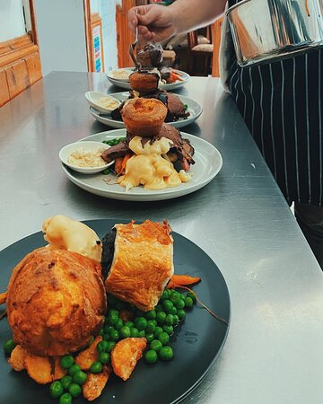 We serve a choice of vegetarian Wellington or the Roast meat of the week on Sundays (Pork with Crackling / Beef) contact us to find out our roast of the day!