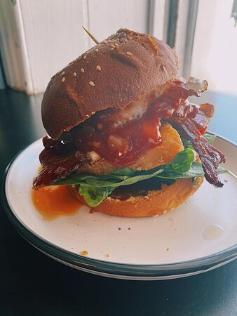 Low Head Breakfast Burger! Available from 7:30am.