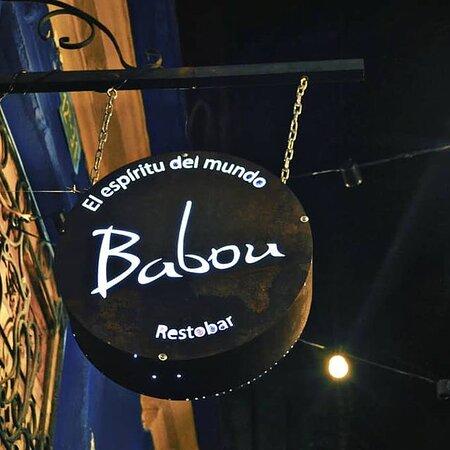 Babou es el comienzo y el final del Callejón del embudo en la Plaza del Chorro de Quevedo, La Candelaria