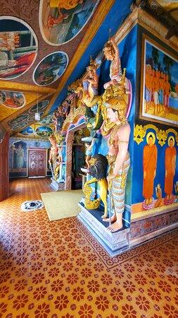 Шри-Ланка: Sri Sudassanaramaya Temple