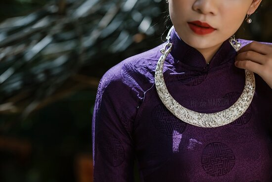 Vietnam's unique traditional necklace Handmade from pure silver Carved with images of dragon, phoenix, lotus, chrysanthemum, apricot... Receive custom orders from 5 to 7 days.