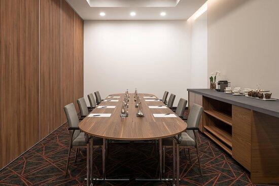 Meeting Room Minin II
