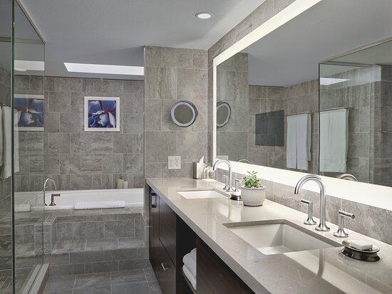 LOEWS VRT Waterfall Bathroom
