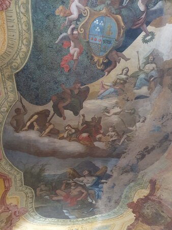 Dall' interno del castello. Visita euro 4, audioguida, fatta molto bene euro 2. Cuffie euro 2