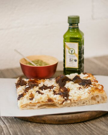 Goat cheese with caramelized onion