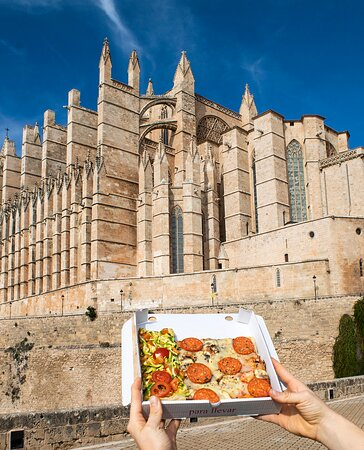 Discover our city with our pizzas