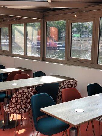 cave à vin - rooftop - restaurant français - tour eiffel - télétravail - terrasse - parisian restaurant - street food - food court - french (42)