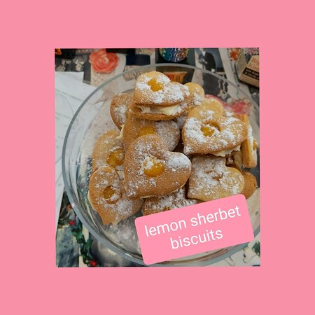 These zingy little biscuits are a great accompaniment to our Bewleys Blend 24 coffee or loose leaf tea.