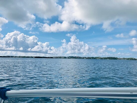 A beautiful tour out on the blue waters of Bermuda