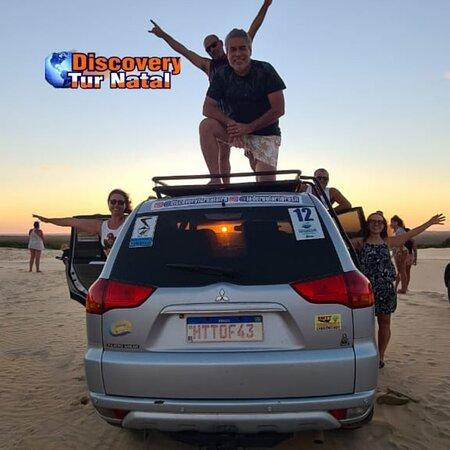 Nisia Floresta: Por Do Sol nas dunas de búzios durante o passeio Rota dos Nativos 4×4 Raiz @Discoveryturnatal realizado com o Jipeiro @Jaderguiarnbrasil  Cel 084 988435127 Whatsapp