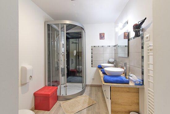 salle de bain anges de la joie (lamarre aux anges)
