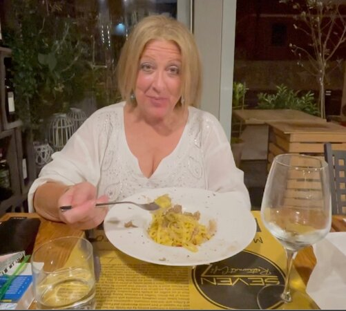 Monteleone d'Orvieto, Italie : Hand made pasta with black truffles. I would have licked the bowl if no one was looking..