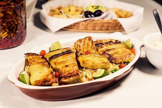 🍴 Melhor do que saborear a carne delicioso e macia do tambaqui é saborear o nosso Tambaqui na Brasa! 🔥 ⠀⠀⠀⠀⠀⠀⠀⠀⠀ Sua carne douradinha e macia é a pedida perfeita pra quem gosta de muito sabor! 🍚 E pra ficar ainda mais completo nosso prato acompanha arroz à grega e molho tártaro! ⠀⠀⠀⠀⠀⠀⠀⠀⠀ 😋 Está na hora de provar essa delícia! 📞 (19) 3242-0474 📲 (19) 98333-0770 Também estamos no Goomer e no IFood! 🚩 Rua Erasmo Braga, 235 - Campinas.