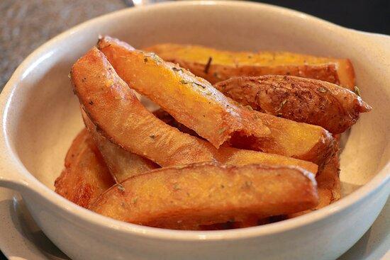 Batata frita caseira.