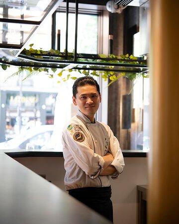 Chef Hiroyuki USHIRO