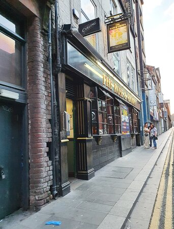 The Rose & Crown Pub in Liverpool Buisness District
