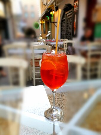 """Summer evening at """"Sympligades"""" with a super cooling Aperol Spritz!"""
