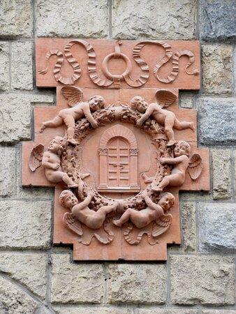 Emblema in terracotta