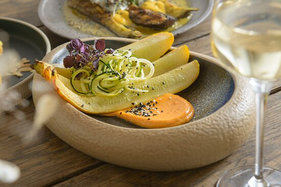 Courgette - gold & green, chilli, ginger, sesame, 8
