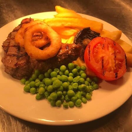 🍷🥩 It's STEAK NIGHT tomorrow 🥩🍷  Enjoy two steaks and a bottle of wine for only £23.  Every Thursday after 5pm.  📷 10oz rump steak served to one of our lovely guests today and they loved it !!! 🥰🥰  Book online 👉 https://www.bellbottlepubkirkham.co.uk/book-your-table/  #WeAreMarstons #SteakNight #DateNight