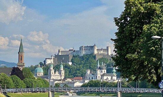 Salzburg, Austria: Una bella vista dal … fiume !