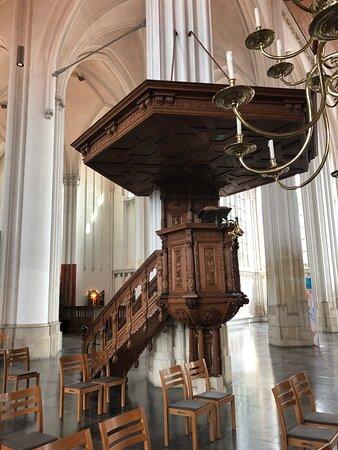 Interieur, preekstoel