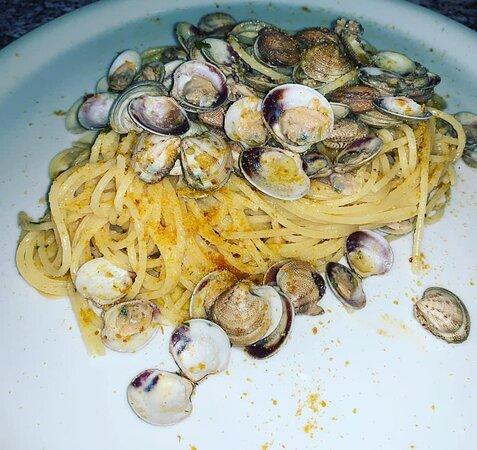 Spaghetti alle Vongole e Bottarga