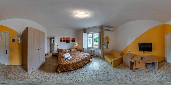 camera easy con vista su corte interna. Easy room with view on inernal court