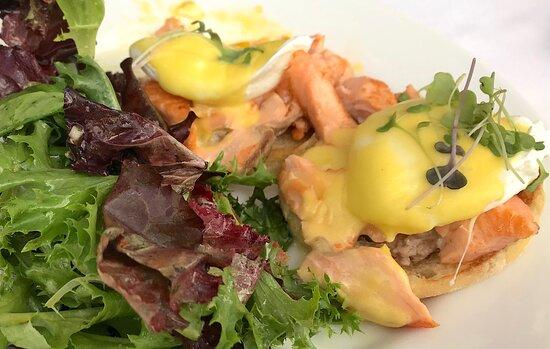 Eggs Benedict (brunch menu)