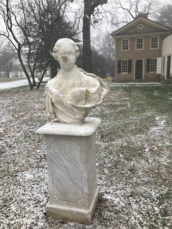 Statue and Kitchen Dependency in snow
