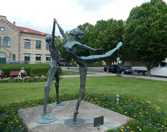 Statyn ''pax De Dues''
