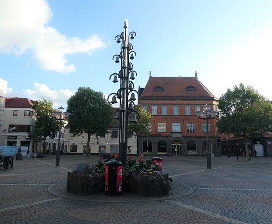 Statyn ''klockspelet''