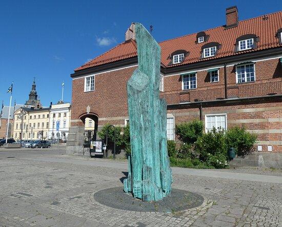Statyn ''sinfonia''