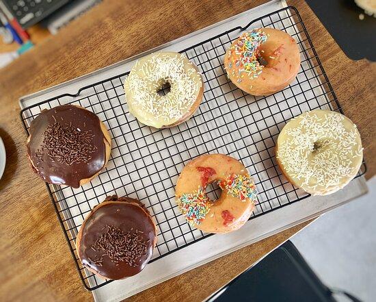Fortaleza, CE: Donuts, produção diária.