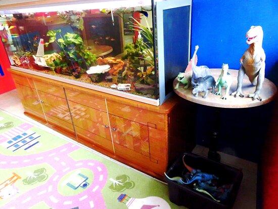 La Salle de Jeux Le Grand Aquarium de 600L Les Dinosaures pour jouer Déco Aquariums