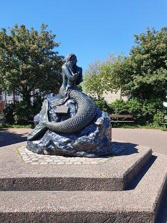 Mermaid 🧜♂️ along Victoria Road in Victoria Quarter.