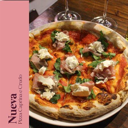 ¡NUEVO! Pizza Caprina e Crudo
