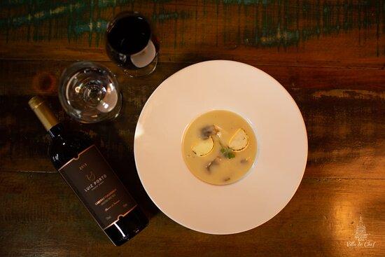 Sopa de Palmito com Cougumelos Paris.