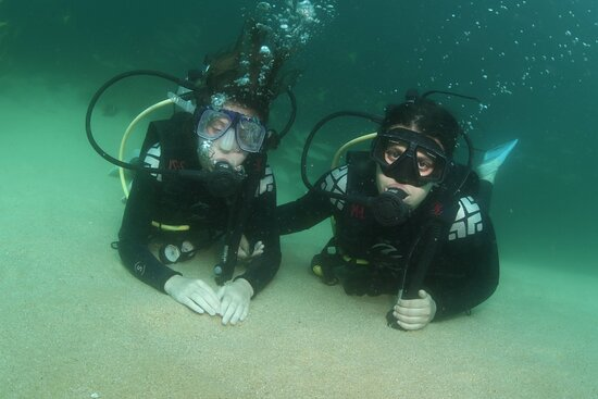 Cabo San Lucas Beginner Scuba Diving Experience: Posed Pictures (there are a number of them)